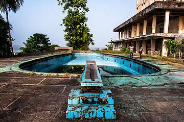 Ducor_Palace_Hotel_in_Monrovia,_Liberia